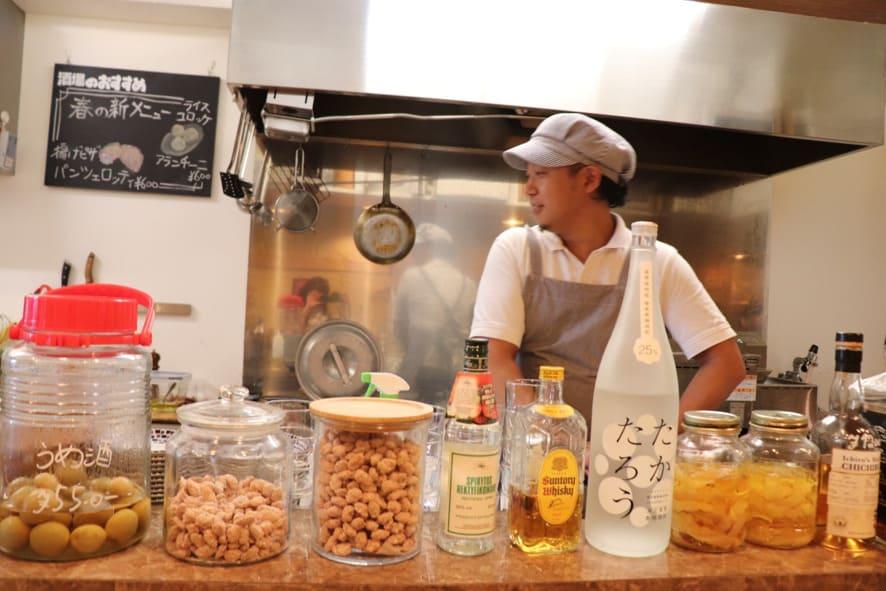 COVA酒場 オープンキッチン