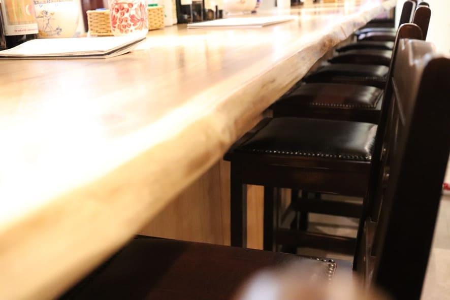 旬菜とイタリアンDAMA 椅子