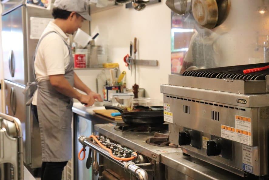 COVA酒場 厨房